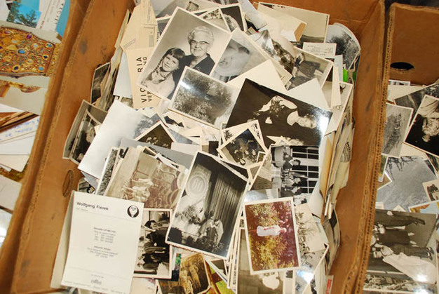 What to do about all those old family photos! If you've been putting off scanning your cherished family photos, here's your opportunity to participate in a fun Facebook LIVE event! During SCANDEMIC A Facebook LIVE Photo Scanning Event! you'll learn from genealogy expert Thomas MacEntee of GenealogyBargains.com with tips and tricks for scanning photos and documents!